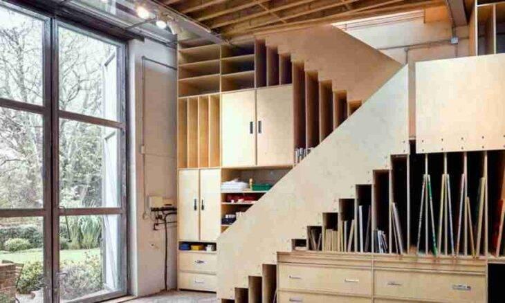 A escada desse loft zerou o conceito de economia de espaço; veja o porquê