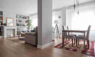 Veja como um tapete deixa sua sala de jantar o máximo
