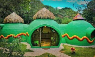 Mulher constrói impressionante casa de sabão e concreto na Costa Rica. Foto: Divulgação