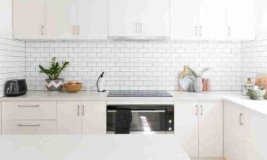 Organize-se (e tenha mais espaço!) com estas soluções de decoração para cozinha
