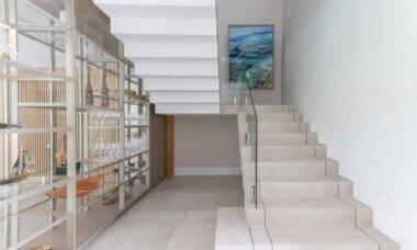 Tipos de escada e como definir o modelo ideal para o seu projeto