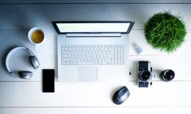 Home office: 4 passos para adotar o minimalismo na decoração e criar um ambiente zen