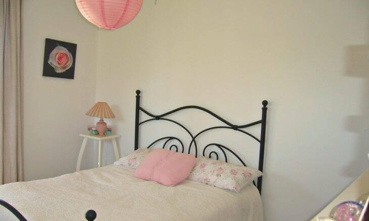 Inspirações para decorar seu quarto rosa dos sonhos