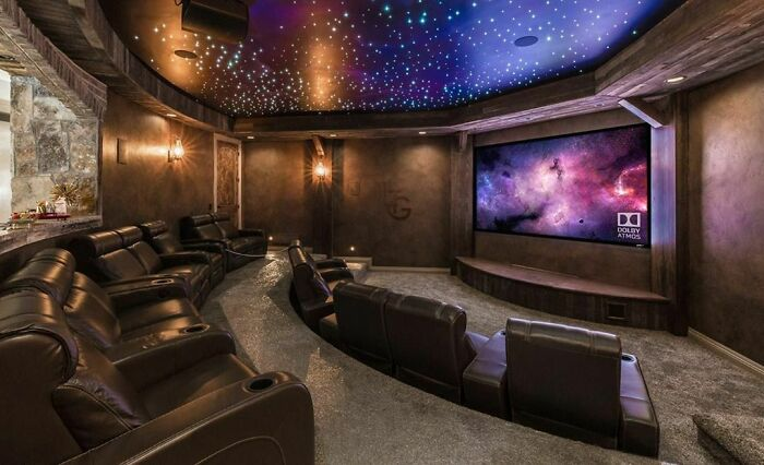30 cinemas em casa que vão te deixar com vontade de ter um