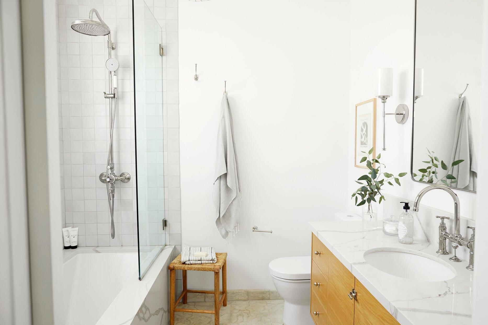 Banheiro pequeno minimalista