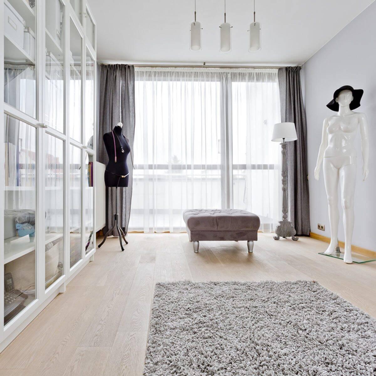 Guarda-roupas com portas de vidro