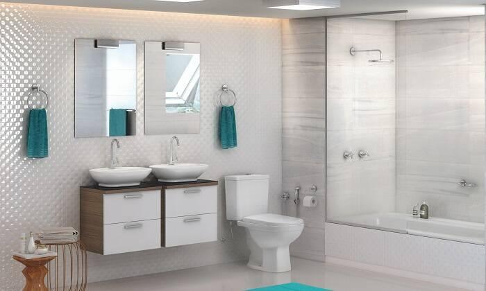 Para o casal manter a sua individualidade, a sugestão é projetar um banheiro com gabinetes, cubas e espelhos para cada um. | Foto: Divulgação/Celite