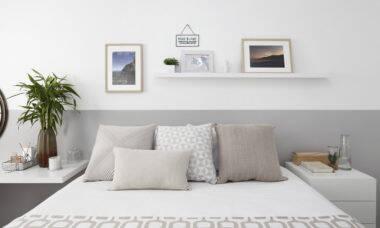 A paleta de tons suaves é ideal para trazer as sensações de calma e relaxamento necessárias para um descanso restaurador   Foto: Mariana Orsi