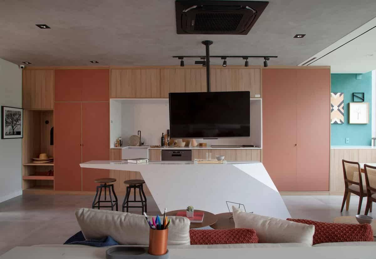 Apartamento repleto de soluções de arquitetura e automação | Projeto de Bruno Moraes Arquitetura e foto de Luis Gomes