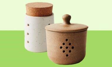 Potes de cerâmico para colocar alho. Foto: Divulgação/ Food52