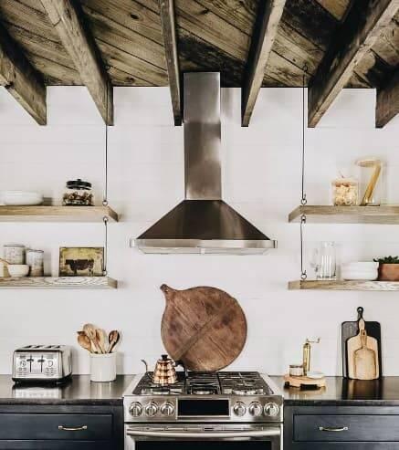 Cozinhas de madeira. Crédito: Becca Interiors