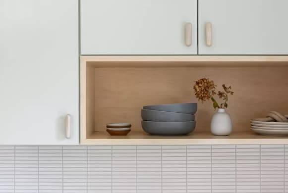 Cozinhas de madeira. Crédito: Cathie Hong Interiors