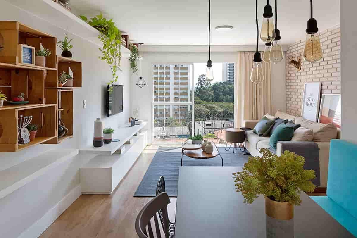 Com a área social toda integrada, os moradores ganharam um espaço amplo para receber amigos e familiares em sua primeira casa | Foto: Júlia Ribeiro
