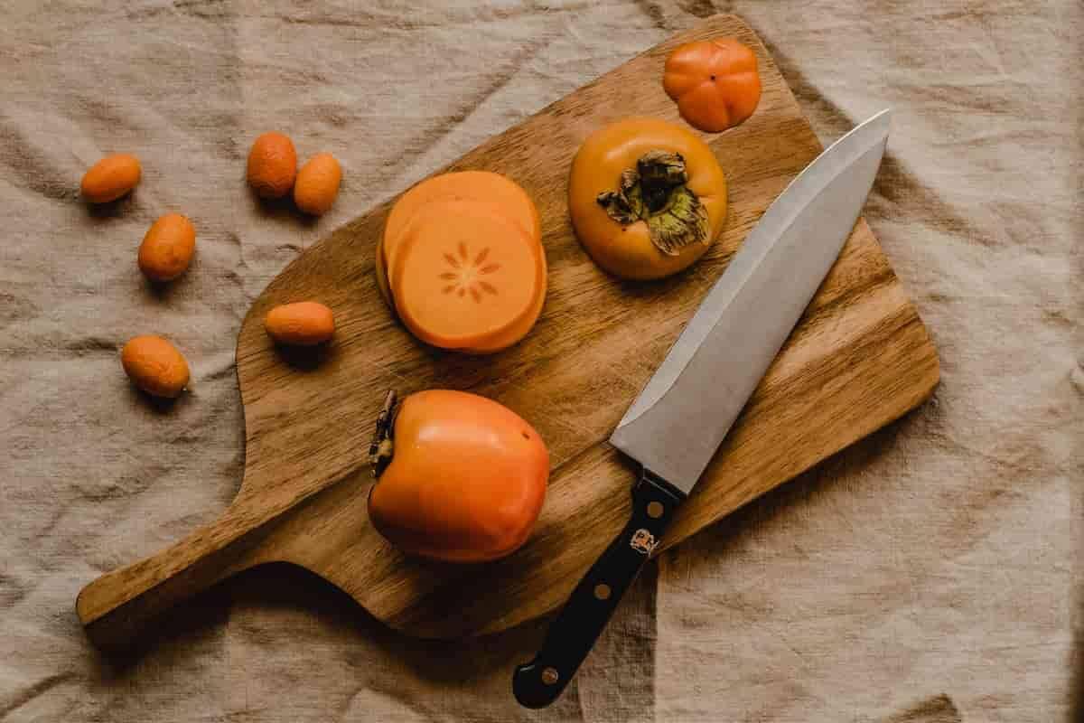 Manutenção das tábuas de cozinha. Foto: Eva Elijas