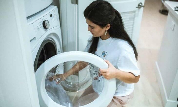 Dicas para lavar roupa. Crédito: RODNAE Productions