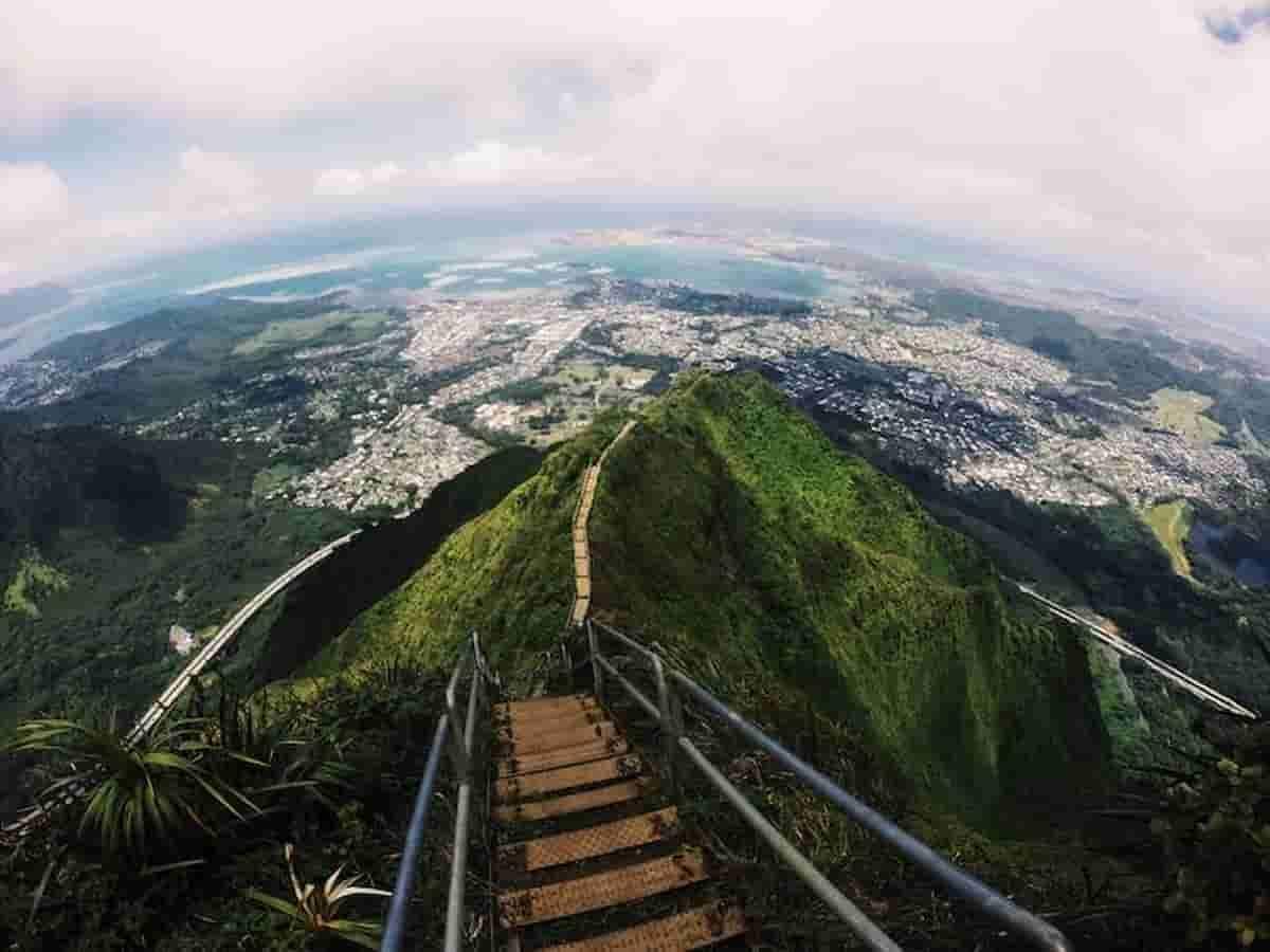 Escada para o Paraíso, em Honolulu deve ser destruída em breve, segundo autoridades. Foto: Divulgação/Brittnee Yee