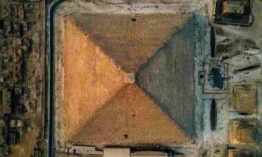 Pirâmide de Gizé vista de cima. Fotos:Alexander Ladanivskyy